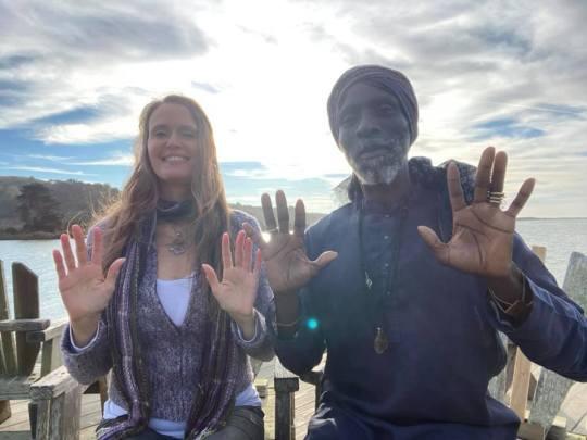 Shana and Elitom sending Healing Light to YOU!